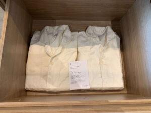 ルネッサンス・オキナワ・リゾートのデラックスルームのパジャマ