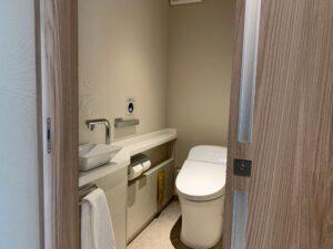 ルネッサンス・オキナワ・リゾートのデラックスツインのお部屋のトイレ