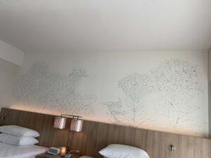ルネッサンス・オキナワ・リゾートのお部屋の壁紙に書かれているのは鳥とお花!